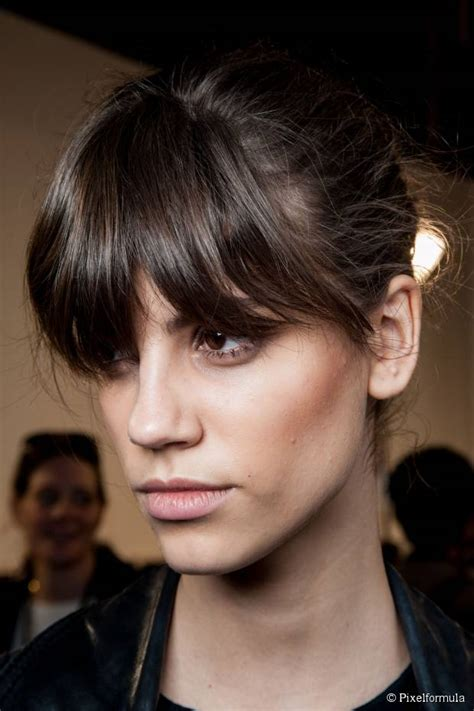 ponytail hairstyles for square face top 15 easy and low maintenance hairstyles for square faces