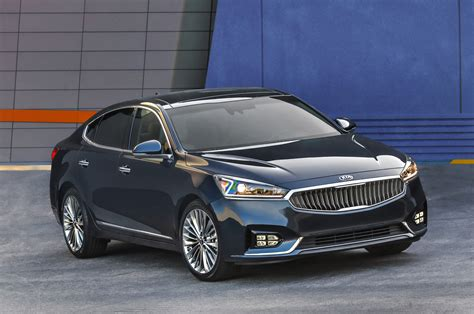 Kia Of 2017 Kia Cadenza Look Review Motor Trend