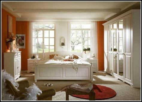 schlafzimmer kiefer massiv schlafzimmer kiefer wei 223 massiv schlafzimmer house und