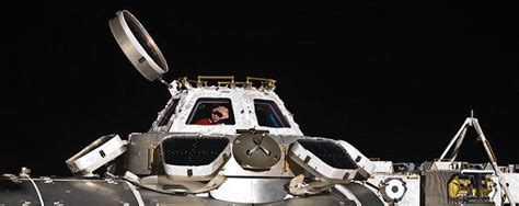 cupola iss crew replace pane on iss cupola window nasaspaceflight