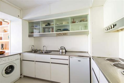 Kitchen Ec2 by Charming One Bedroom Flat With Spectacular Views In The