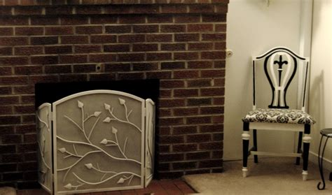 Diy Fireplace Screen by Lighten Up Diy Painted Fireplace Screen On The Upcycle