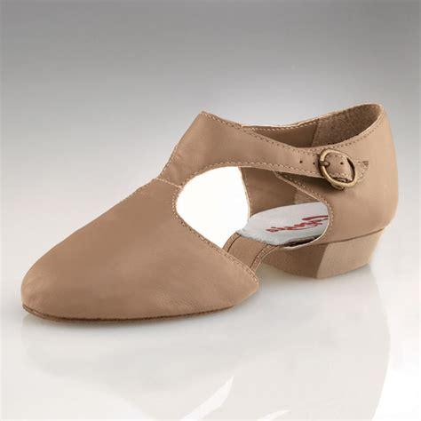 lyrical shoes capezio pedini lyrical shoes caramel