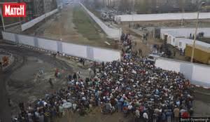 le berlin le jour o 249 le mur de berlin est 233