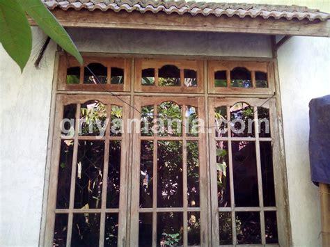 kusen jendela kayu griyamania