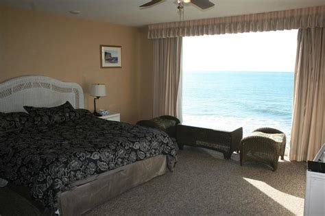 cliff house inn deluxe room 24 with a view picture of cliff house inn on the ocean ventura