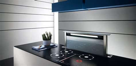 hotte de cuisine escamotable hotte escamotable pour plan de travail elica photo 2 15 une tr 232 s hotte discr 232 te et