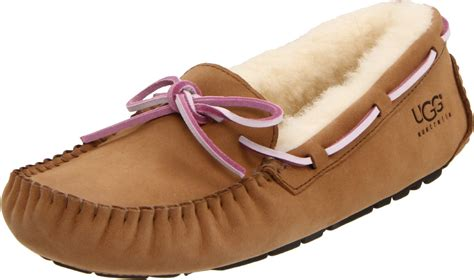 slippers smell inside of ugg slippers smell