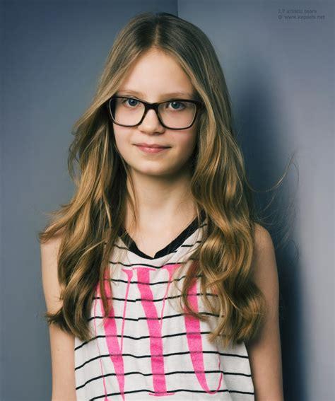 Kapsel voor meisjes met een bril   Kinderkapsel