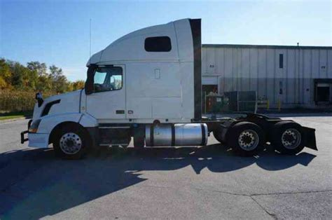 2014 volvo semi volvo vnl64t670 2014 sleeper semi trucks