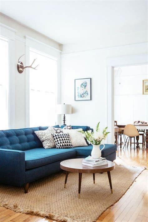 living room color schemes pinterest 7x de mooiste blauwe banken van pinterest alles om van