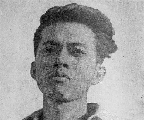 Short Biography Of Chairil Anwar | chairil anwar biography childhood life achievements