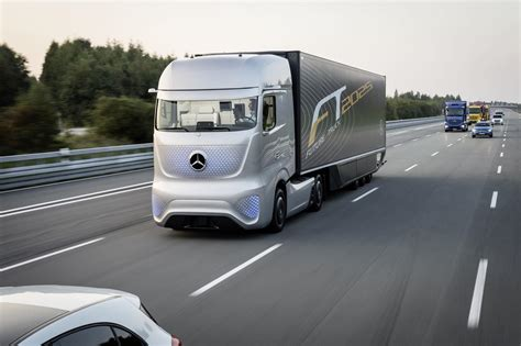 future mercedes truck mercedes benz unveils future truck 2025 video