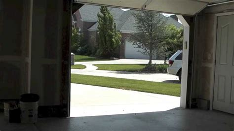 Troubleshoot Garage Door Garage Door Troubleshooting のおすすめアイデア 25 件以上 塗装したガレージのドア ガレージのドア ガレージドアオープナー