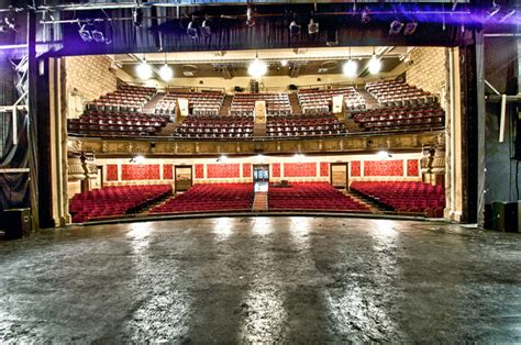 briar theater seating reviews athenaeum theatre stage spacefinder chicago