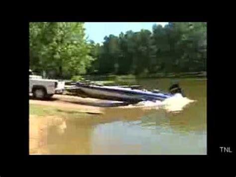 small boat fails boat r blooper vidoemo emotional video unity
