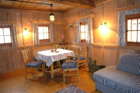 bauernhof wohnzimmer wohnzimmer bauernhaus picture of bauernhof rindereben