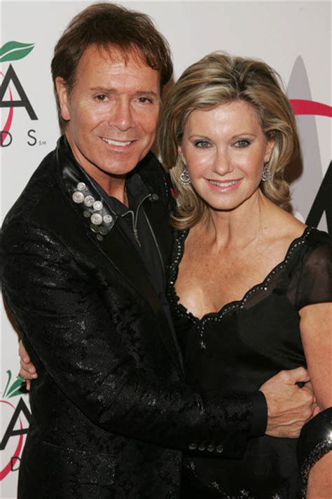 olivia newton john and cliff richard olivia newton john and cliff richard photos photos the