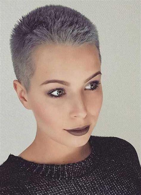 short grey hair  frisuren kurze graue haare