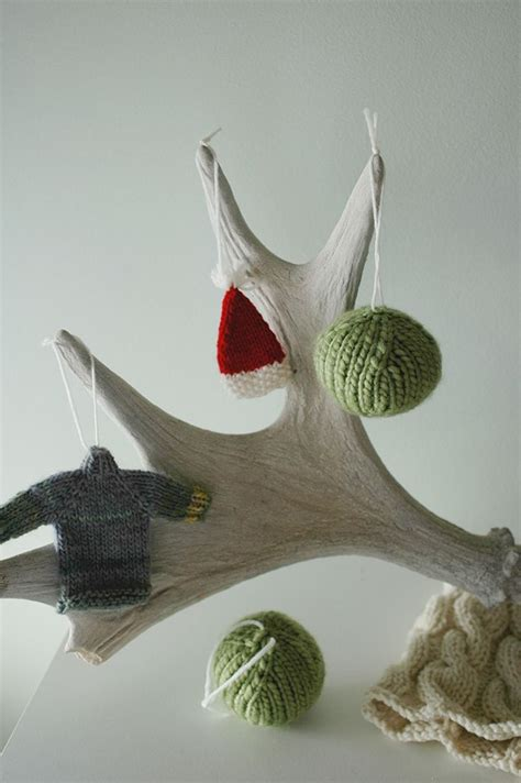 easy christmas ornaments a pattern for the basic knit
