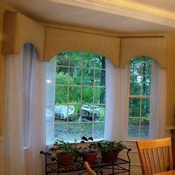 Bay Window Cornice Boards by Cornice Board Panels In A Bay Window Cornices On A