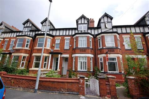 6 bedroom house manchester 6 bedroom terraced house for sale in latchmere road