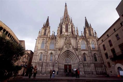 barcelona churches cathedrals