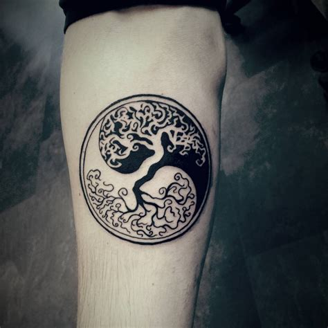 yin yang tree tattoo not my design but i got to this cool blackart ying yang
