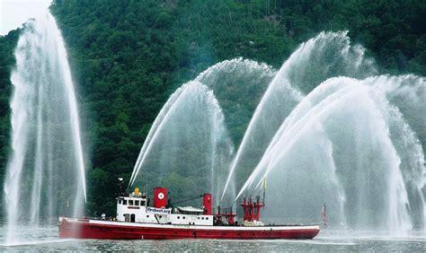 fdny fireboat john j harvey john j harvey