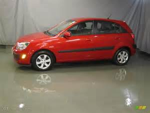 tropical 2008 kia rio5 lx hatchback exterior photo