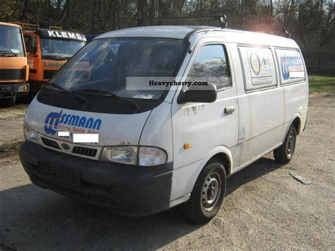 kia delivery kia pregio 2 5 diesel box truck 3 2004 box type