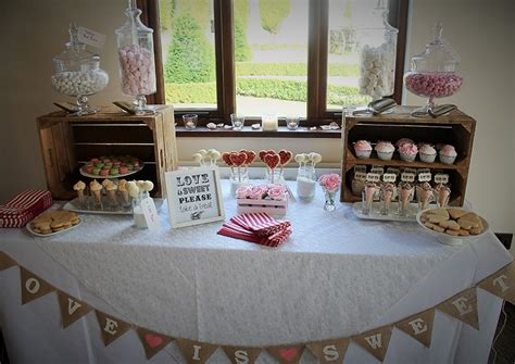 Wedding Favors Table by Wedding Favours Treats Manchester S Cupcakes