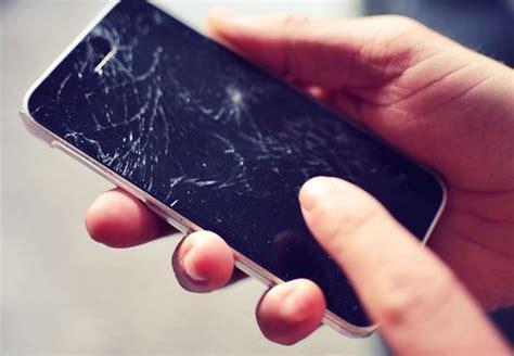 Layar 3 Pecah 5 Bahaya Gunakan Smartphone Dengan Layar Pecah Jalantikus