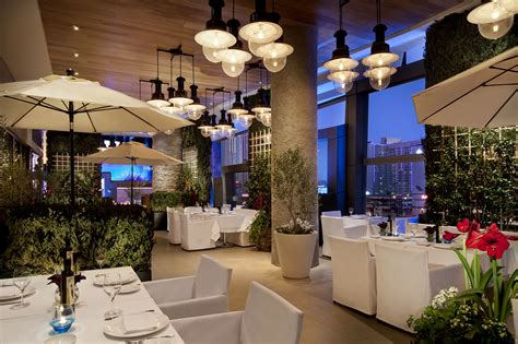 Patio Dining Las Vegas by Best Restaurants In Las Vegas From Steakhouses To Pizza