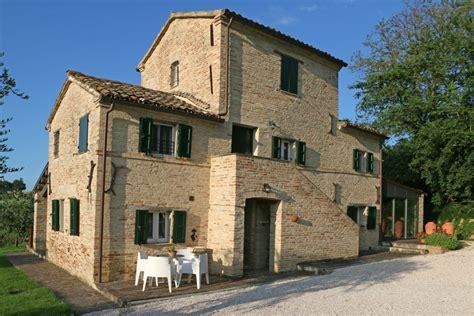 casa marche vakantiewoning in ostra le marche itali 235 casa marche