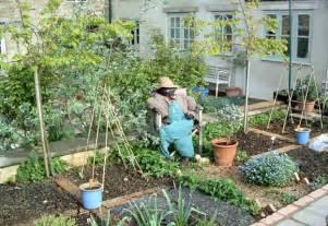 Small vegetable garden ideas home design ideas