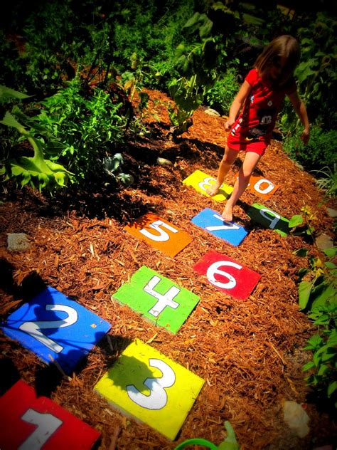backyard stepping stones 30 beautiful diy stepping stone ideas to decorate your