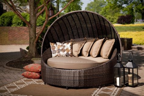 Outdoor Furniture Bed Modern Patio Round Bed Turns Simple Outdoor Space Into
