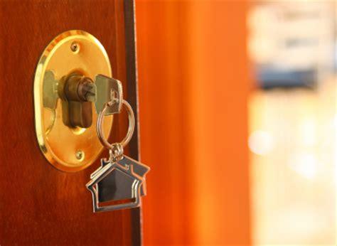 How To Unlock Door With Key by Front Door Won T Unlock Locksmiths Seva Call