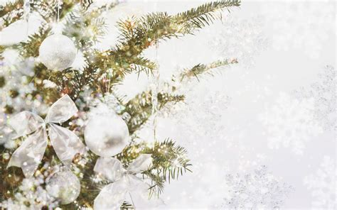 wallpaper christmas white 47 christmas decorations christmas baubles wallpapers