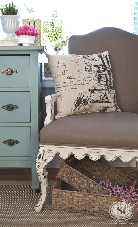 chalk paint in fabric best 25 chalk paint chairs ideas on chalk