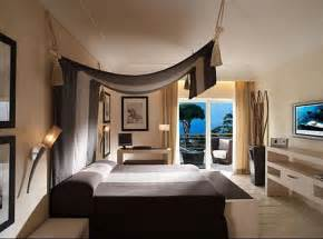 Canopy Bed Interior Design Ideas 33 Cool Hotel Style Bedroom Design Ideas Digsdigs