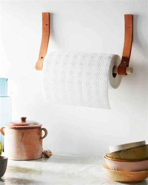 How To Make A Paper Towel Holder - stylish projects you can do with leather straps and