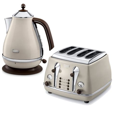 Delonghi 4 Slice Toaster De Longhi Icona Vintage 4 Slice Toaster And Kettle Bundle