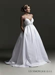 style spotlight wedding dresses with pockets wedding