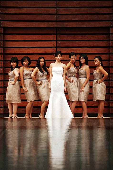 Pictures To Take At Wedding by Best Poses To Take Pictures At Wedding For Brides And