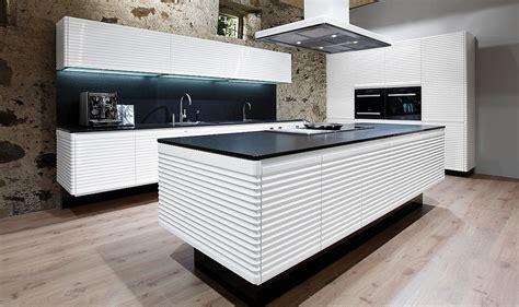 küchen auszüge deko grau weiss violett wohnung