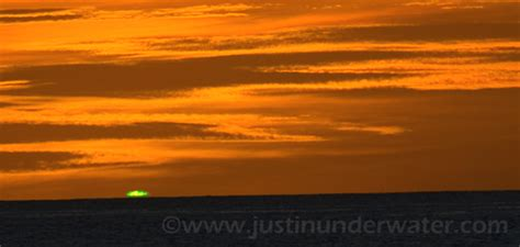 File:Green flash   Wikimedia Commons