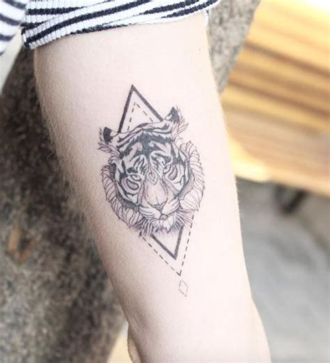 geometric tiger tattoo best 25 tiger ideas on tiger tatto