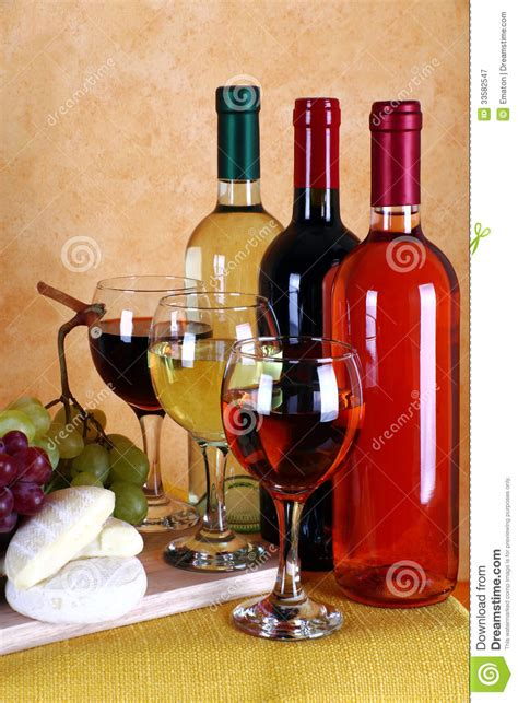 the italian dream wine 1614285195 wine cheese and grapes royalty free stock photography image 33582547
